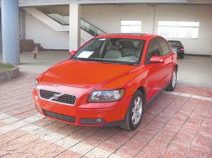 沃尔沃s40购买于2006年1月,排量为2.4升,自动挡,下次年审时间高清图片
